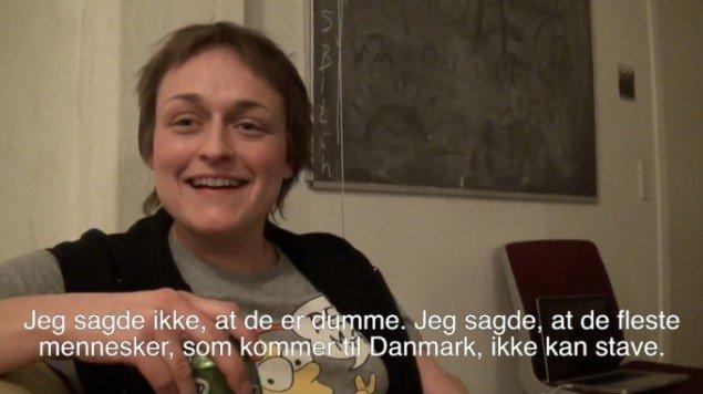Naja Maria Lundstrøm: What's Wrong With Being a Dane? 2011. Video still. Fra udstillingen  World in Your Eyes, afgangsudstilling på Det Fynske Kunstakademi, Kunsthallen Brandts