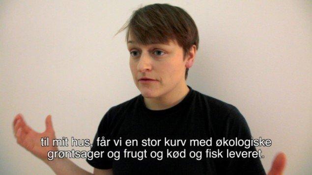 Naja Maria Lundstrøm: Well It's Not Going to Lift Itself  2014. Video still. Fra udstillingen Well It's Not Going to Lift Itself på Overgaden