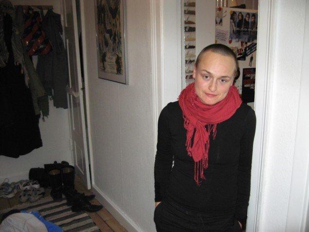 Naja Maria Lundstrøm: Application 2007. Foto, 74x59 cm. Fra udstillingen Feminism Now?!, Babel Gallery, Trondheim