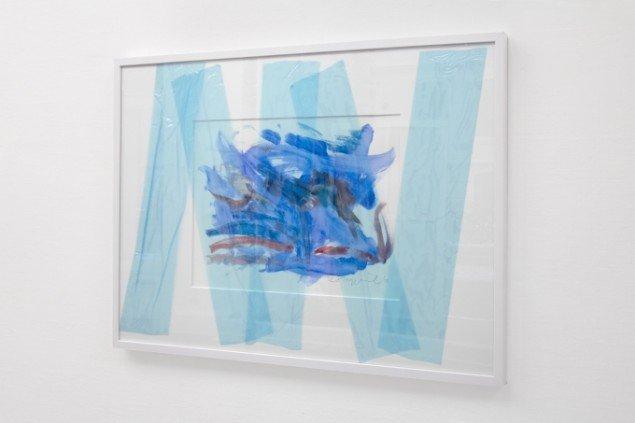 Rasmus Høj Mygind Untitled (napdune safe aquarelle) 2012. Akvarel på papir, beskyttelsestape, 70x100 cm. Foto: Henningsen Gallery