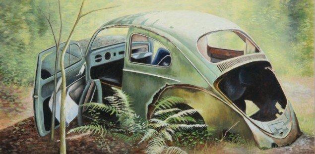 Steen Larsen: VW Beetle, 2013. Olie på lærred, 70 x 140 cm. På Junkyard, Galleri NB 2014. Foto: Kurt Nielsen