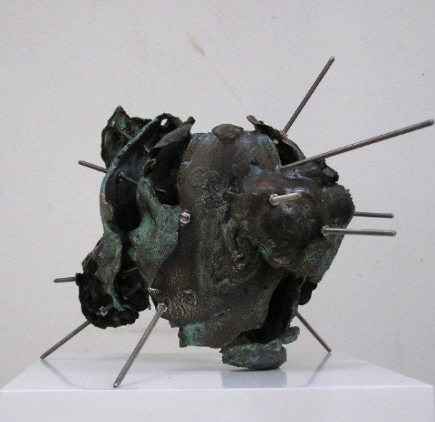 Thomas Andersson: Rekonstruktion, 2013. Bronze, 4,18 cm. høj. På Cast Away, Galleri NB 2014. Foto: Thomas Andersson