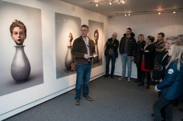 Udstillingsview fra Ole Tersløses udstilling i NBeX Childish behavior. På Galleri NB, 2014. Foto: Kurt Nielsen
