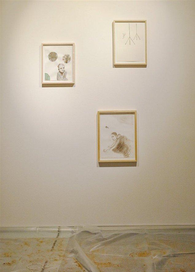Bianca Maria Barmen: Parkflingor, 2010; Sond, 2006 og Sovande Channy, 2010. Gouache og tusch på papir. På Skulptur og pagode, Vestjyllands Kunstpavillon 2014. Foto: Heine Skjerning