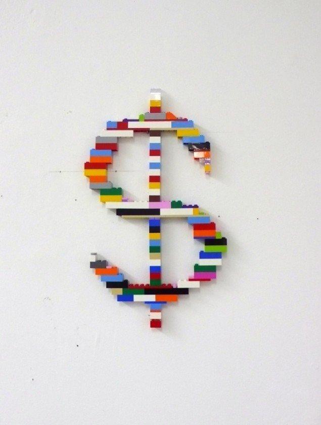 Axel Lieber: LEGO Dollar 1983/2014. Højde 35 cm. Foto: Axel Lieber