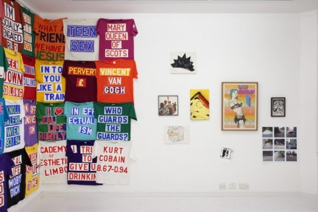 T-Shirts, Ross Sinclair. Herefter: Guy Blakeslee, T.S Høegh, Nis Bysted, Franz Beckerlee, Ian Dury, Tobias R Kirstein, Zven Balslev. Grafitti, Jim Drain. Foto: Erling Jeppesen
