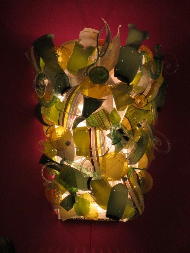 Lampe skabt med resterne fra produktionen af muranoglas. Foto: Kirstine Bruun