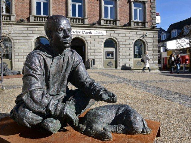 Jens Galschiøt: Hjemløs. På Jens Galschiøt - Kunst til eftertanke, Kunstetagerne Hobro. Foto: Niels Reiter