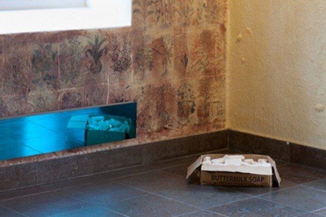 Installationsview fra Finn Naur Petersens seneste udstilling Frederiksberg Tegninger i Møstings Hus, 2013.