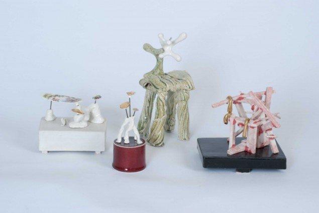 Louise Hindsgavl: Fra serien Sketch for a Larger Life, 2014, porcelæn, stentøj, metal og forgyldninger. Foto: Louise Hindsgavl