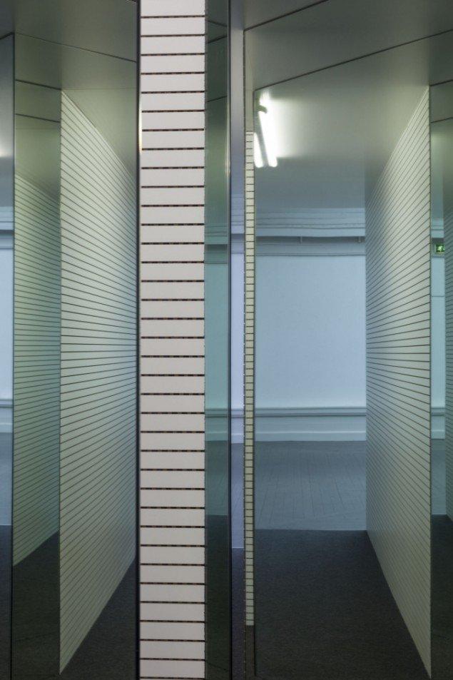 AVPD: Pass, 2014. View fra udstillingen (detalje) Beyond Reach - en udstilling om rum, Den Frie Udstillingsbygning. Foto: Anders Sune Berg
