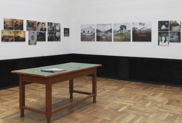 Alen Aligrudic: Strange Bedfellows. Udstillingsview fra Ordinary People, Banja Rathnov Galleri & Kunsthandel. Foto Patrick Gries