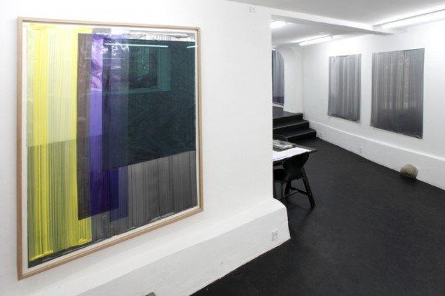 Udstillingsview fra VERTICAL, Marianne Friis Gallery. Courtesy Marianne Friis Gallery