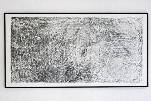 Tina Maria Nielsen: Atlas, 2014. Frottage. På Hver og én, Charlotte Fogh Gallery. Foto: Gert Skærlund Andersen