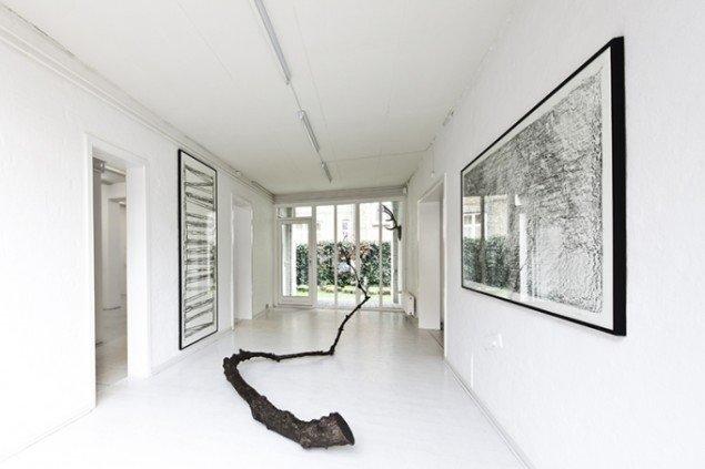 Udstillingsview fra Hver og én, Charlotte Fogh Gallery. Foto: Gert Skærlund Andersen