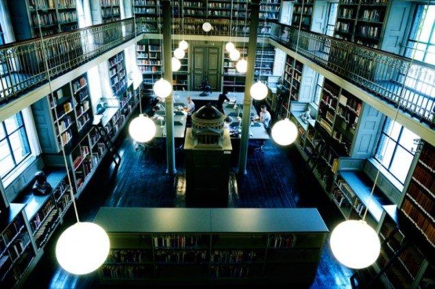 Læsesalen i Danmarks Kunstbibliotek.