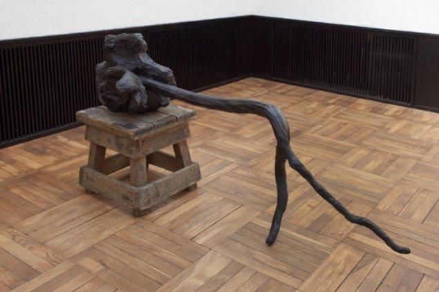 Kirsten Ortwed: Pusher 2013. Patineret bronze og træ. 97 x 128 x 50 cm. Foto: Erling Lykke Jeppesen