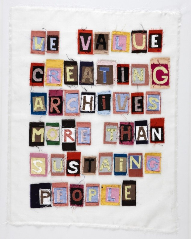 Letter to Rabi, 2011-13, detalje tekstil. Foto: Jeppe Sørensen.