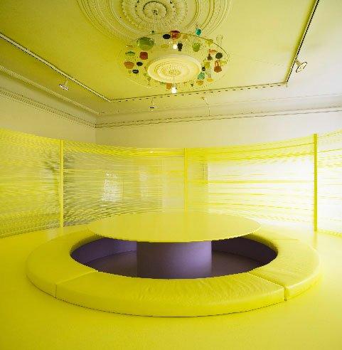 På Gl. Strand i København producerede Ruth Campau i 2006 mødelokalet The Well, som leger med de sociale strukturers form. Foto: Anders Sune Berg