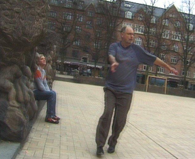 Filmstill fra værket Ingen mand er en ø, 2002. Pressefoto.