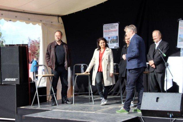 Terje Bech, Özlem Cekic, Lone Aburas og Bjørn Nørgaard udspørges af Torben Steno. (Foto: Nina Elm-Larsen)