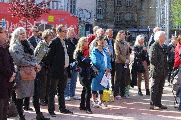 Publikum på Den Røde Plads. (Foto: Nina Elm-Larsen)