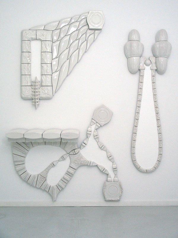 Per Ahlmann: ANOTHER GATE OF HELL, 200 x 240 cm, keramik, 2007. Foto: Per Ahlmann.