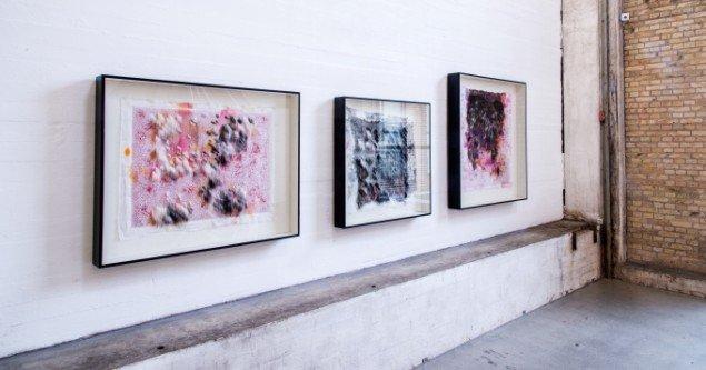 Nikoline Liv Andersen: Langsomt siver det gennem mine hænder 1,2,6. På Makers of Today - Arts + Crafts II, Kunsthal Nord. Foto: Niels Fabæk