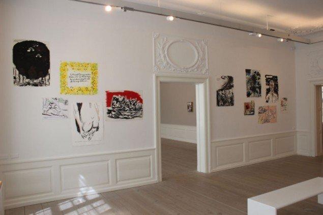 Installationsview, Paint New York med værker af Raymond Pettibon. (Foto: Léa Nielsen)
