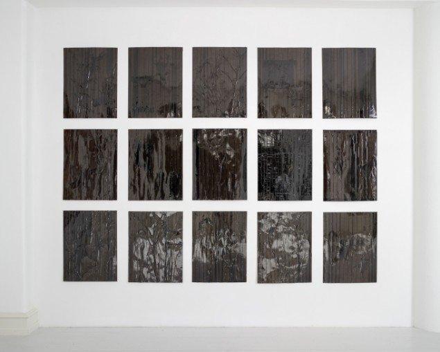 Udstillingsview med værker af Joel Andrianomearisoa på African contemporary art, Galerie Mikael Andersen. Foto: Jan Søndergaard