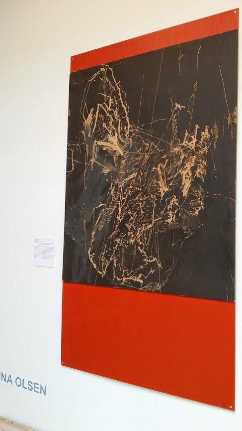 Ina Olsen: Uden titel I-III, 2014. Tegning med vinkelsliber og boremaskine på akrylbemalet finér. På Jorn Lab, KunstCentret Silkeborg Bad. Foto: Johanne Daugaard Løkke
