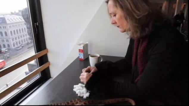 Mette Kit Jensen: Flâneuse – Désir, performance. Torpedo 18, 2014, videostill Jeanette Land Schou