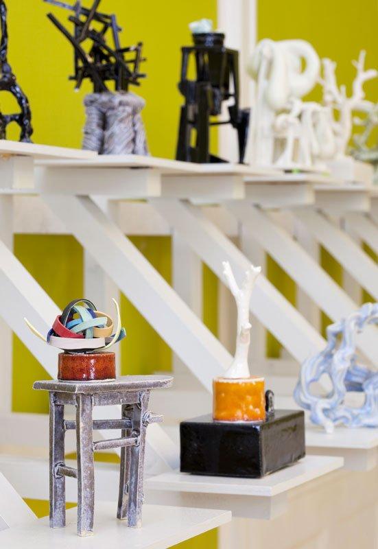 Louise Hindsgavl: Power. Porcelæn. Poesi, installationsview. (Foto: Lea Nielsen)