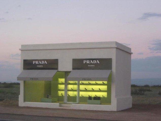 Elmgreen & Dragset: Prada Marfa, 2005. Pressefoto.