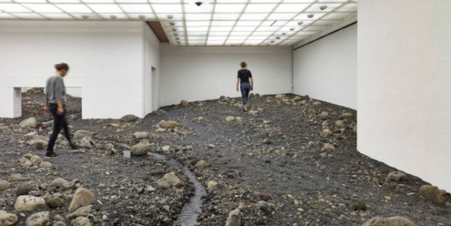 Olafur Eliasson: Riverbed, 2014, Installationshot. (Foto: Anders Sune Berg) Louisiana Museum of Modern Art.