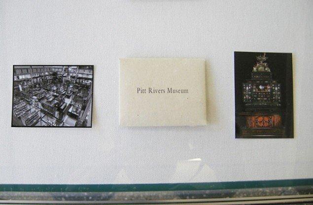 Kuverter og billeder fra montre. Foto: Kristian Handberg