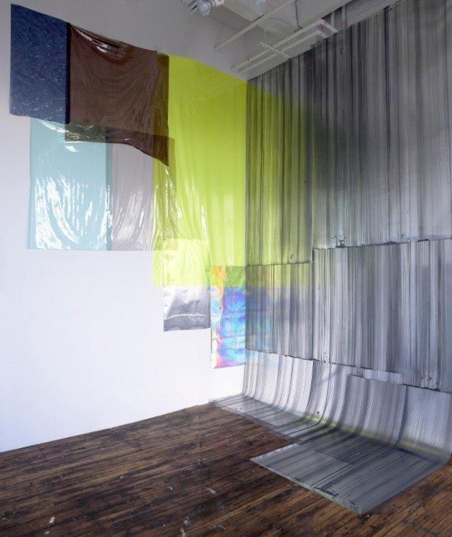 Ruth Campau: Goodmorning Yellow, 2013, akryl på mylar, spejl mylar, folie, 4,35 x 3,20 x 3,0 x 8 x 5 m. Foto: Ruth Campau