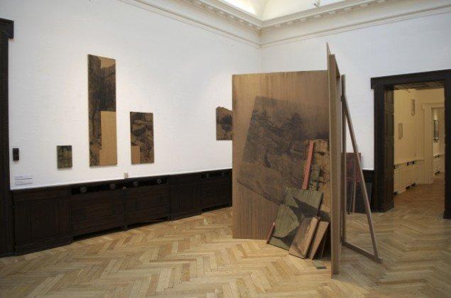 Udstillingsview af værker af Ditte Knus Tønnesen. På Indre og ydre landskaber, Fotografisk Center i Museumbygningen. Foto: Kirstine Schiess Højmose