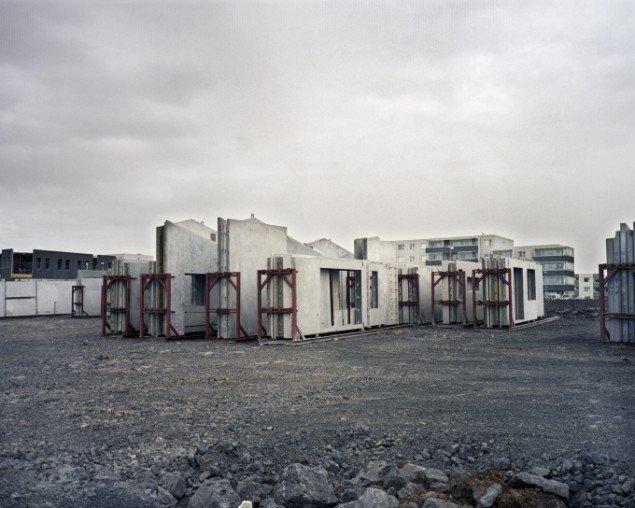 Ingvar Högni Ragnarsson: Building. Digitalt inkjetprint, 70 x 90 cm. På Indre og ydre landskaber, Fotografisk Center i Museumbygningen. Foto: Ingvar Högni Ragnarsson