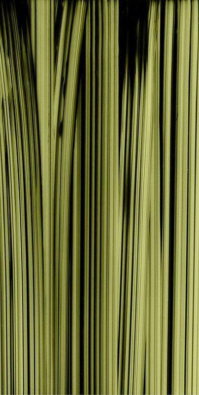 Ruth Campau: Vertical (Yellow), 2014. Inkjet print på Slickrock Mattellic Pearl, 197 x 103 cm. På Crystalline, Galleri DGV. Foto: Michael Mørk