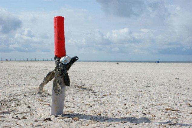 Joachim Römer lavede omkring 20 skulpturer af materiale fundet på stranden - der er en del mere at finde her end ved Marbæk! Foto: Joachim Römer.