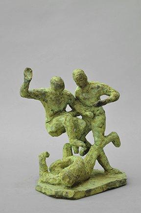 Bjørn Nørgaard: Fodbold, 2014. Bronze, 22 x 21 x 15 cm. På TREUDDK, Galleri Susanne Ottesen. Foto: Galleri Susanne Ottesen