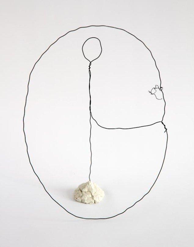 "Ditte Lyngkær Pedersen: ""Year Forms"", ståltråd og modellervoks, (2014)"