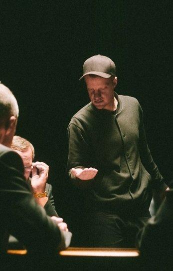 Søren Thilo Funder under optagelserne til værket The Vanishing Table, 2014. Foto: Adam Jandrup.