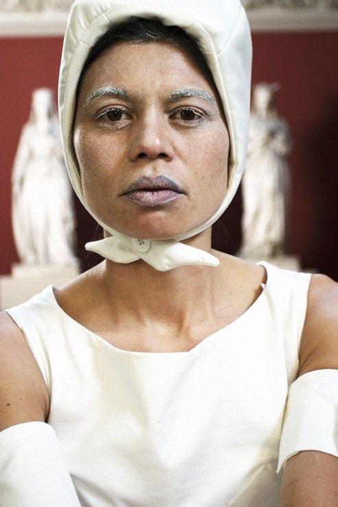 Lilibeth Cuenca Rasmussen, Artist's Song, 2007. Performance, Ny Carlsberg Glyptotek. Foto: Lasse Bak Mejlvang.