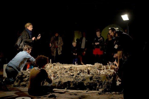 Lilibeth Cuenca Rasmussen, Lucy, 2014, Nikolaj Kunsthal (Kulturnat 2014) Performance. Foto: Frida Gregersen.