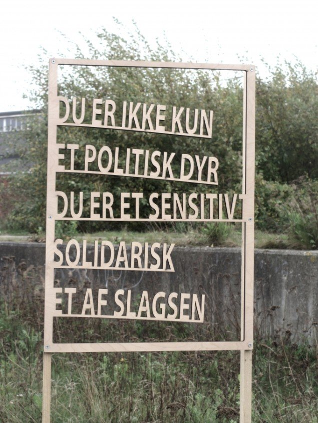 Tanja Nellemann Poulsen. Skilt på Godsbanearealet.. Foto: Ole Bak Jakobsen