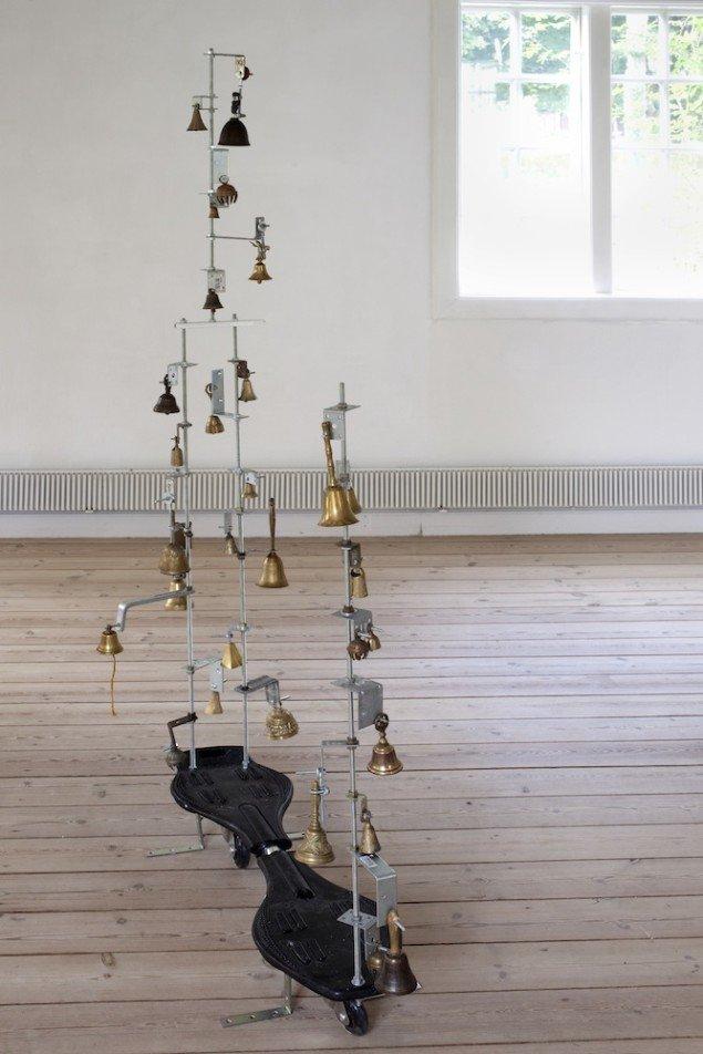 Heine Kjærgaard Klausen, Noise is a social skill, 2014, mixed media. Foto: Erling Lykke Jeppesen.