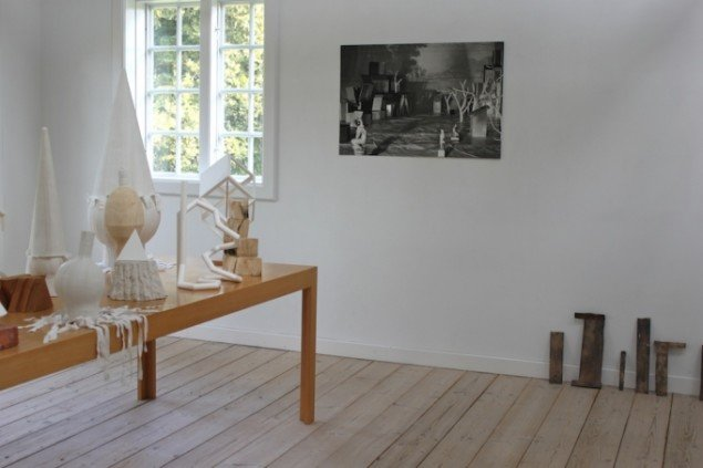 Installationsview fra udstillingen Mellemværender. Foto: Line Kjær.