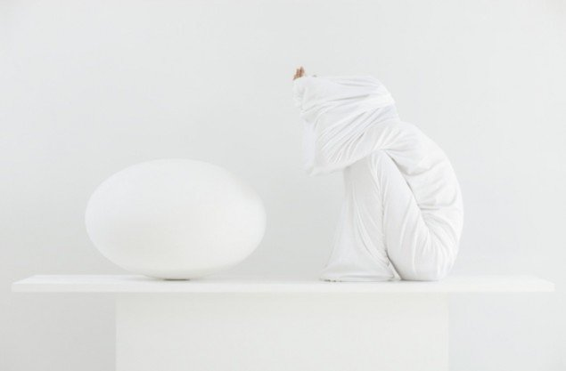 Sophia Kalkau: White Situation, 2013.